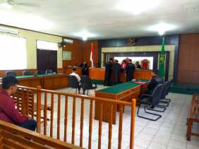 Oknum Polisi Penyelundup Trenggiling Kembali Diadili