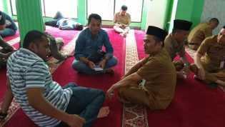 Jam Istirahat, ASN dan THL Habiskan Waktu Di Masjid