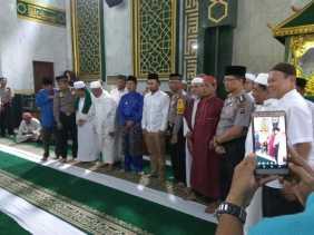 Dihadiri Gubernur Riau, Brigadir Amandus Ucapkan Kalimah Syahadat