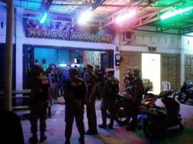 Satpol PP Pekanbaru Amankan 22 Wanita dan 8 Pria Ditiga Lokasi Berbeda