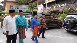 Plt Walikota Buka Sosialisai Pengembangan Sekolah Ramah Anak di MAN 1 Pekanbaru