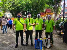 Tim BPKAD Semprot Disinfektan Pemukiman di Tangkerang Selatan