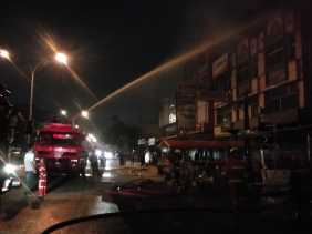 Empat Unit Toko di Pekanbaru Terbakar
