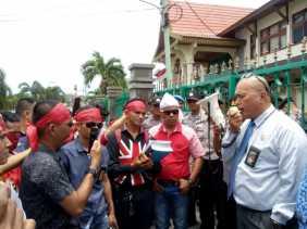 Hakim PN Pekanbaru Didesak Hadirkan Bupati Bengkalis dan Kuasa Hukum Kepersidangan