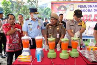 Usai Apel, Polda Riau Musnahkan Puluhan Kilo Sabu, Ribuan Ekstasi dan Ribuan Botol Miras
