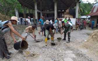 Dandim 0313/KPR Goro Bersama Masyarakat Pulau Gadang