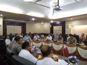 Wako Pekanbaru Pimpin Rapat Laga Amal Peduli Lombok dan Palu