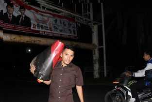 16 Baliho Caleg di Billboard Berbayar Ditertibkan Bawaslu Pekanbaru
