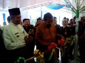 Jaksa Agung RI Letakkan Batu Pertama Pembangunan Gedung Kejati Riau dan Resmikan Kantor Baru Kejari
