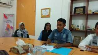 Keluarga Besar Iwandri Datangi Kantor Ombudsman Riau. Ada Kasus Apa Ya?
