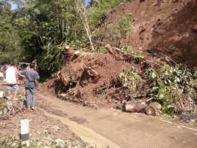 Bencana Longsor di Kecamatan Palupuh, Agam Sumatera Barat