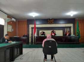 Korupsi Penerimaan PTT, Oknum Diskes Pelalawan Dituntut Empat Tahun Penjara.