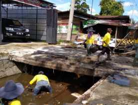PUPR Surati Pemilik Ruko Bongkar Jembatan agar Mudah Bersihkan Drainase