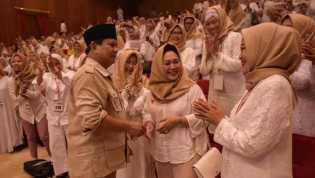 Prabowo Sapa Titiek Soeharto di Acara Deklarasi Emak-emak Pecinta Prabowo Subianto