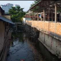 Penyebab Banjir Pasar Dupa, Bangunan Ditengah Sungai dan Tumpukan Sampah