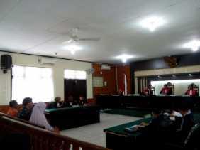 Mantan Kadis PU Riau dan Kontraktor Diadili Terkait Korupsi Pembangunan Tugu Integritas