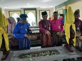 Ayat Cahyadi Ziarah ke Makam Pendiri Pekanbaru