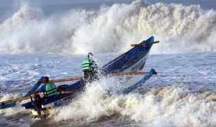 140 Wisatawan Terjebak di Pulau Karimun Jawa