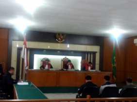Kena OTT Sunat Dana Pengamanan Porprov Riau, Tiga Oknum Satpol PP Kampar Diadili