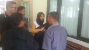 Teller Cantik Penilap Dana Nasabah BPR, BUMD Pelalawan Diadili