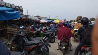 Semrawut, Pasar Pagi Arengka 'Tumpah' ke Jalan