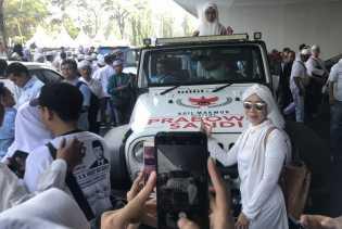 Bangga Bisa Foto di Mobil Prabowo