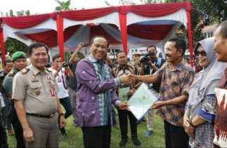 Pemko-BPN Bagikan Ribuan Sertifikat Tanah Pada Masyarakat
