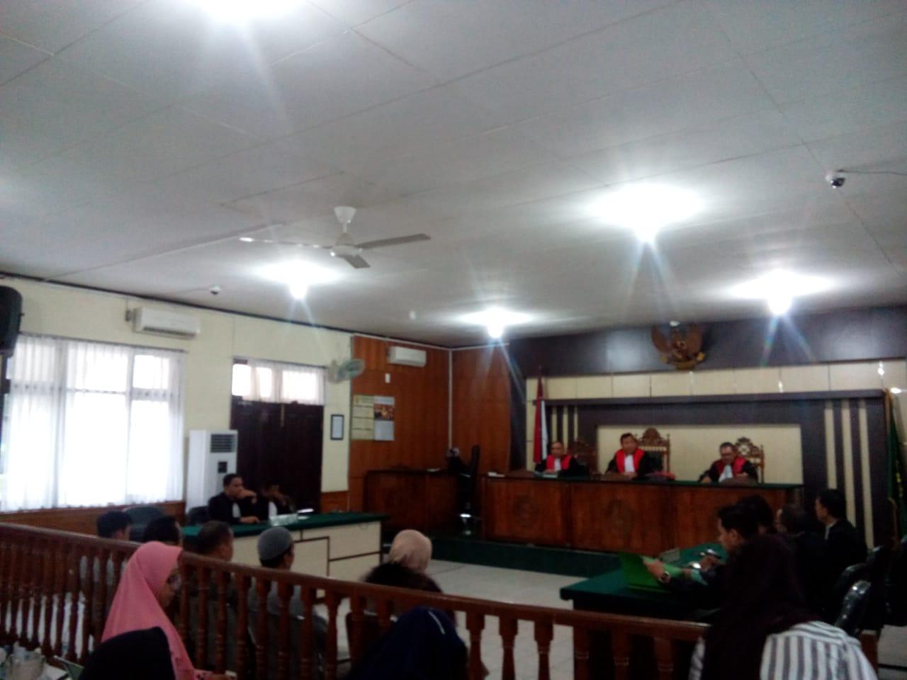 Eksepsi Tiga Dokter Terjerat Korupsi Pengadaan Alkes RSUD Ditolak Hakim