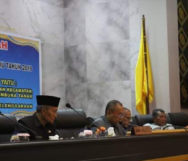 Pemko Pekanbaru Sampaikan 3 Ranperda Melalui Paripurna DPRD