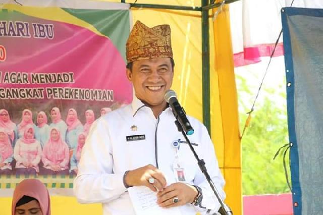 Peringati Hari Ibu 2018, Sekdako Pekanbaru, M Noer Resmikan Gapura Industri Kreatif di Kecamatan Payung Sekaki.